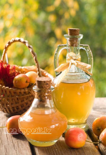Apple Cider Vinegar and Apple Juice